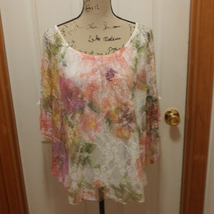 BRITTANY BLACK FLOWER AND LACE BATWING SHIRT SZ LG